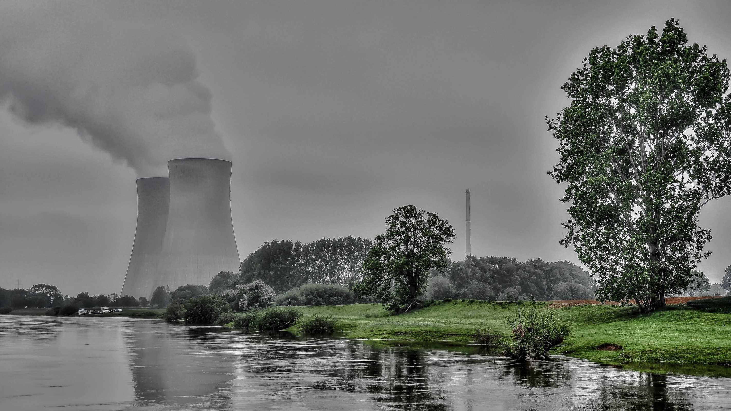 Pros And Cons Of Fossil Fuels >> Nuclear power pros and cons: should it be abandoned? - netivist